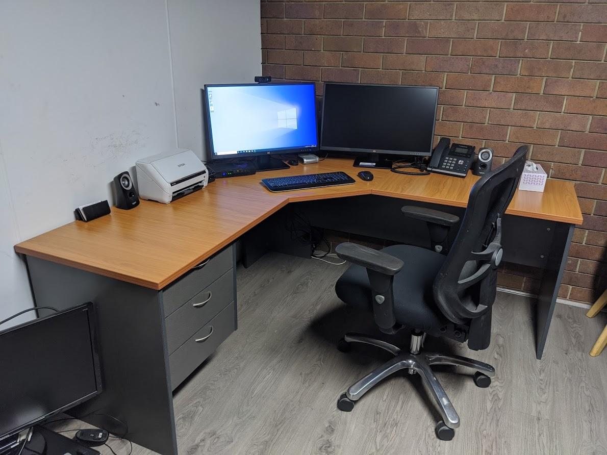 desk_2020-07-31.jpg