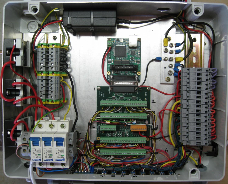 DistBoxwiringComplete.jpg
